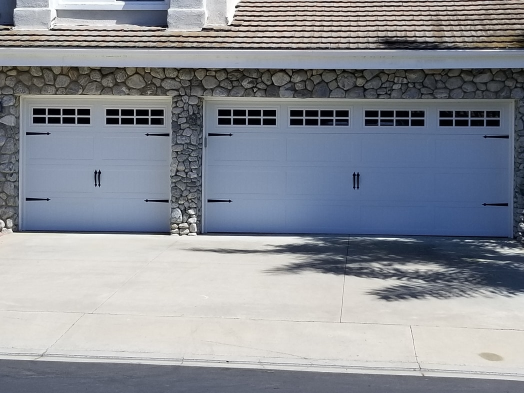 Garage door maintenance services in Tustin